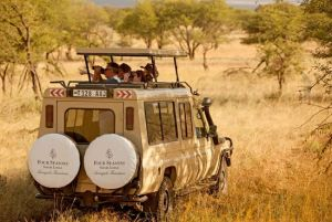 Le safari dans Les animaux four-seasons-safari-lodge-300x201