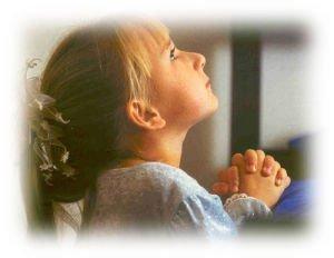 Au revoir papa... dans Les enfants petite-fille-en-priere-001-300x232